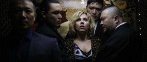 Lucy-Scarlett-Johansson-Korean-gangsters1